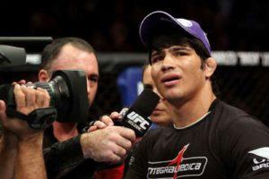 Erick Silva 300x200 Erick Silva fatura bônus de melhor finalização do UFC on FX 3