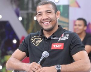 Com ingressos ainda a venda, a organização do UFC continua realizando ações em Belo Horizonte para promover o a edição de número 147 do show, que acontece dia 23 de […]