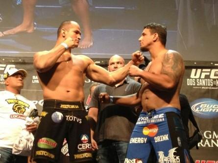 Cigano x Mir pesagem 445x333 UFC 146: Cigano defende cinturão contra Mir neste sábado em um card de peso