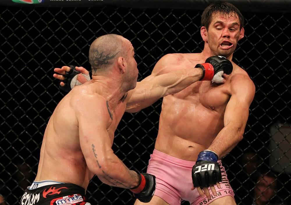 Depois de bons combates do card preliminar, o programa principal de lutas do UFC 147, evento realizado no último sábado (23), em Belo Hozionte, também foi repleto de bons combates. […]