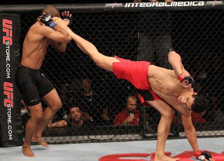 Em um evento recheado de grandes lutas, o mineiro Cezar Mutante e o cearense Rony Jason são os primeiros campeões do TUF Brasil. Nas finais realizadas no UFC 147, show […]