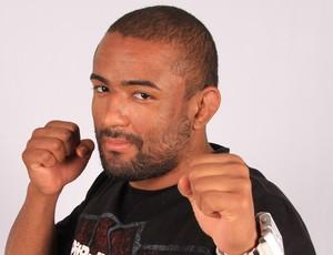 Serginho Moraes foi convocado para a final do TUF Brasil após a lesão de Daniel Sarafian, e mesmo cotado como azarão na luta contra Cezar Mutante, o lutador paulista esbanja […]