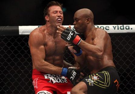 Anderson Silva x Stephan Bonnar Anderson Silva e Minotauro fazem a festa brasileira no UFC Rio 3
