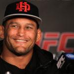 Henderson (foto) negou que irá voltar aos médios. Foto: Divulgaçao/UFC