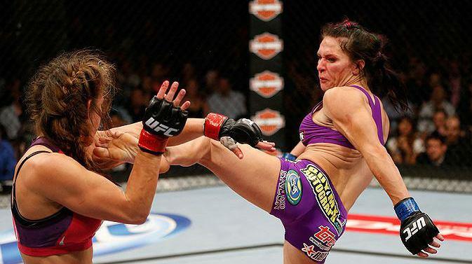 Cat Zingano, que seria a desafiante do cinturão da categoria galo feminina no UFC, torce para que a atual campeã, Ronda Rousey, mantenha o título em sua próxima defesa.A lutadora […]