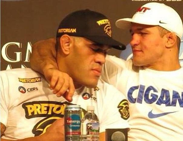 """Apesar da derrota sofrida para o campeão Cain Velasquez no último sábado (25), na luta principal do UFC 160, o peso pesado Antônio """"Pezão"""" Silva segue à disputa do título […]"""