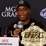 A. Silva (foto) revelou que ainda sonha em recuperar o cinturão dos médios. Foto: Josh Hedges/UFC