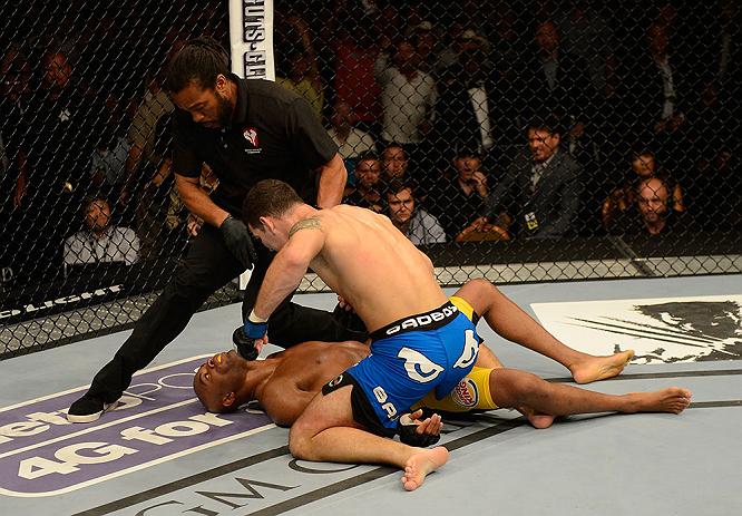 A postura de Anderson Silva no octógono visando desestabilizar seu adversário, com a guarda baixa e as simulações, quase confundiu o alvo errado. Em entrevista ao site MMA Junkie, Herb […]