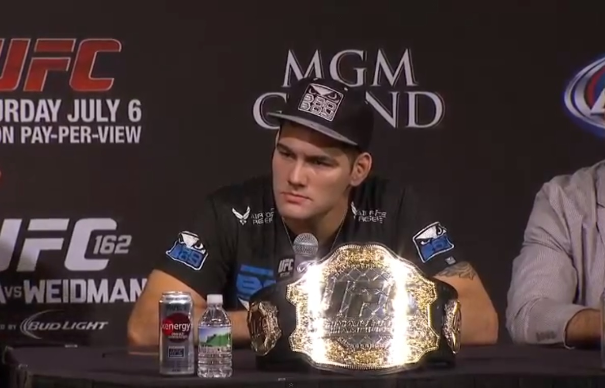 A Comissão Atlética do Estado de Nevada, entidade responsável por sancionar o UFC 162, divulgou, nesta segunda-feira (08), os salários oficiais dos lutadores que atuaram no evento. Mesmo derrotado, o […]