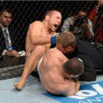 R.Toquinho finaliza M.Pierce no UFC Barueri. Foto: Jeff Bottari/UFC