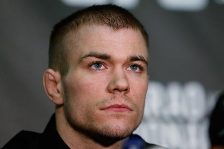 M.McDonald (foto) volta a atuar em dezembro, no UFC on FOX 10. Foto: Josh Hedges/UFC