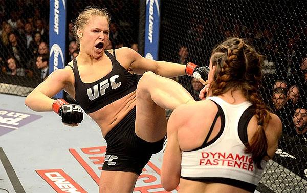 A bela Ronda Rousey tem muitos motivos para comemorar. Além de finalizar a rival Miesha Tate, devolver o arsenal de provocações que rebebeu durante a promoção do combate, a loira […]