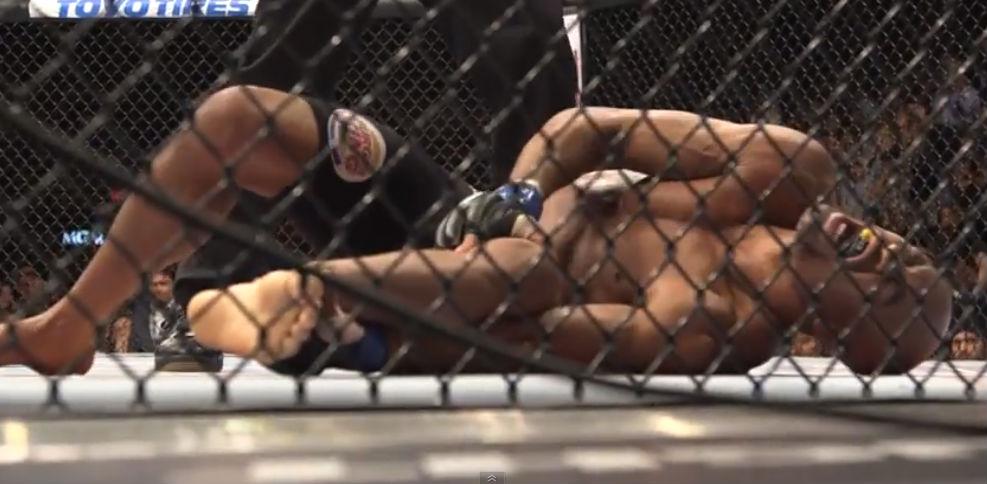 Nesta terça-feira (28), o presidente do UFC, Dana White, divulgou um vídeo que mostra os bastidores do UFC 168, evento realizado em dezembro de 2013. A ocasião foi marcada pela […]