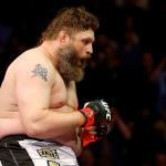 R. Nelson (foto) enfrentará Hunt no Japão, no próximo sábado (20). Foto: Josh Hedges/UFC
