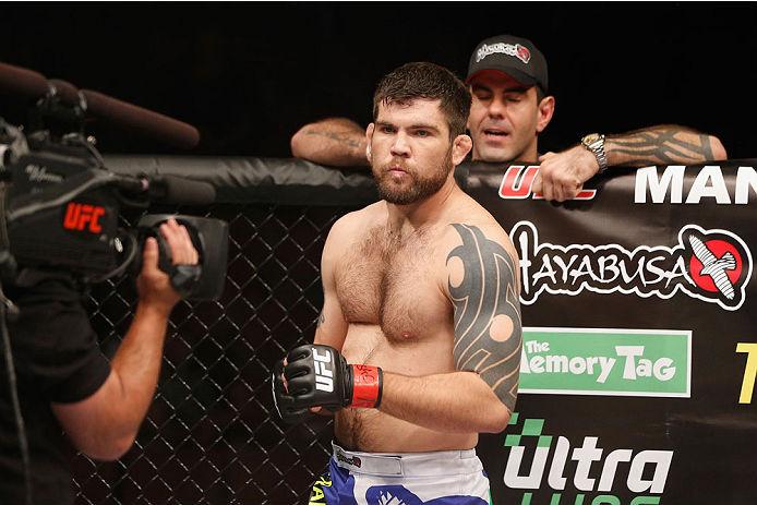 Flagrados recentemente no exame antidoping após eventos do UFC realizados em julho, Robert Drysdale e Kevin Casey receberam suspensões temporárias da Comissão Atlética de Nevada nesta quinta-feira (21). Norte-americano filho […]