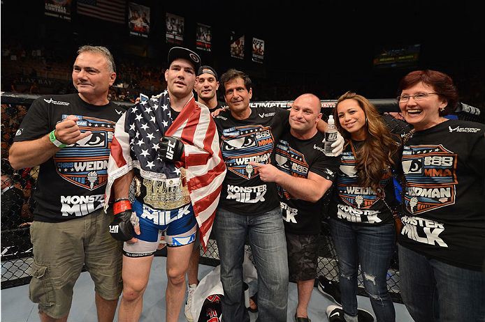 Chris Weidman fará sua terceira defesa do cinturão dos médios do UFC contra Vitor Belfort, no começo de dezembro, o que satisfaz o desejo do campeão da categoria até 84 […]