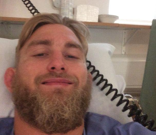 Alheio às recentes confusões envolvendo Jon Jones e Daniel Cormier, Alexander Gustafsson se submeteu a uma cirurgia no joelho nesta terça-feira (5) a fim de reparar a lesão que sofreu […]