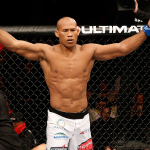 R. Jacaré (foto) conquistou sua quarta vitória no UFC. Foto: Josh Hedges/UFC
