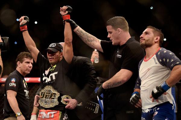 Algumas semanas já se passaram desde o histórico combate entre José Aldo e Chad Mendes no UFC Rio 5, mas o presidente do UFC, Dana White, continua elogiando os atletas […]
