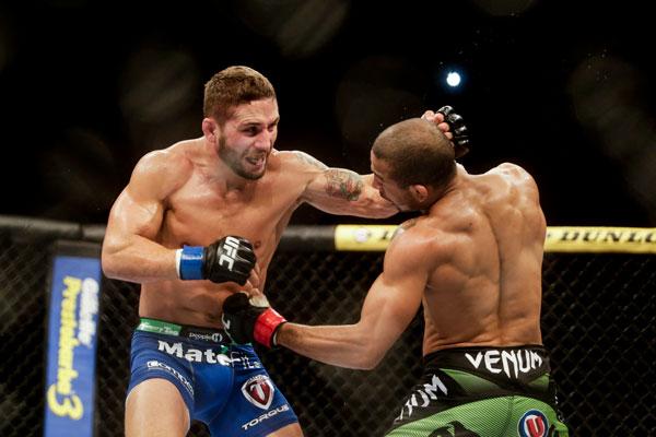 O brasileiro José Aldo e o norte-americano Chad Mendes fizeram um combate épico na luta principal do UFC Rio 5. Em uma aguardada revanche, válida pelo cinturão dos pesos penas, […]
