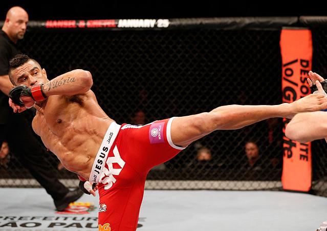 """Nos últimos meses, Vitor Belfort tem sido alvo preferencial de quase todos os pesos médios do UFC. Recentemente, o """"Fenômeno"""" recebeu ataques públicos de Tim Kennedy, Chris Weidman, Luke Rockhold […]"""