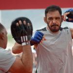 Minotouro enfrenta Bader no UFC São Paulo. Foto: Inovafoto