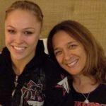 Ronda (esq.) e sua mãe, AnnMaria De Mars (dir.). Foto: Reprodução