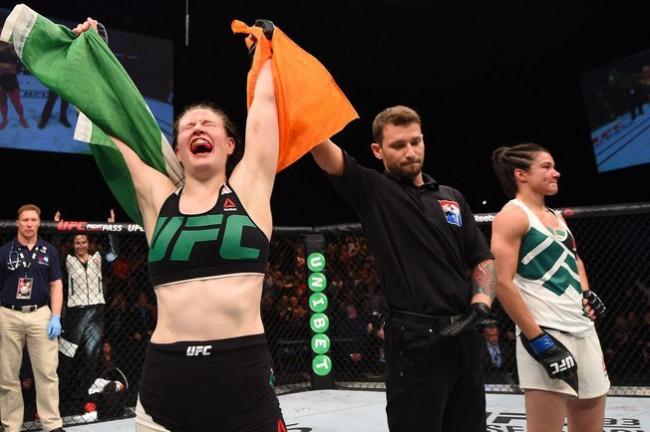 A. Daly (esq.) venceu E. Almeida (dir.) no UFC Dublin em sua última luta Foto: Divulgação/UFC
