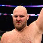 B. Rothwell (foto)foi retirado de sua luta com Werdum Foto: Josh Hedges/UFC