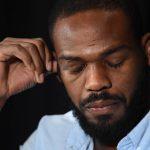 Jones foi um dos flagrados pela nova política antidoping do UFC. Foto: Divulgação/UFC
