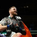 McGregor agora é campeão peso pena e peso leve do UFC. (Foto: Getty Images)