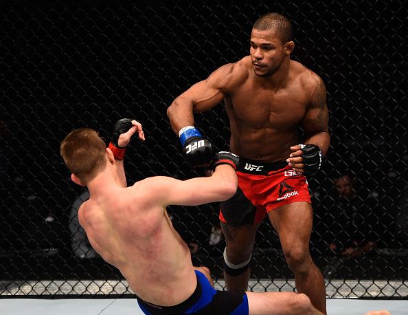 Garcia aplica golpe que 'apagou' Pyle. (Foto: Getty Images)