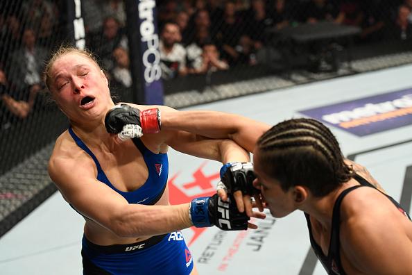 Amanda atropelou Ronda em apenas 48 segundos. (Foto: Getty Images)