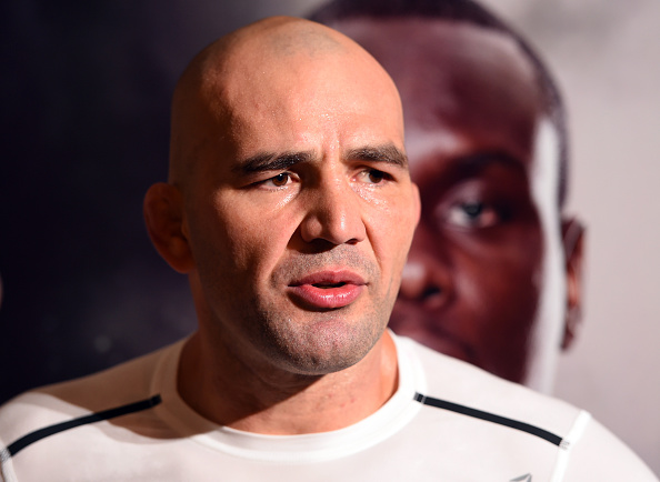 Glover (foto) falou sobre o crescimento de Manuwa(Foto: UFC)