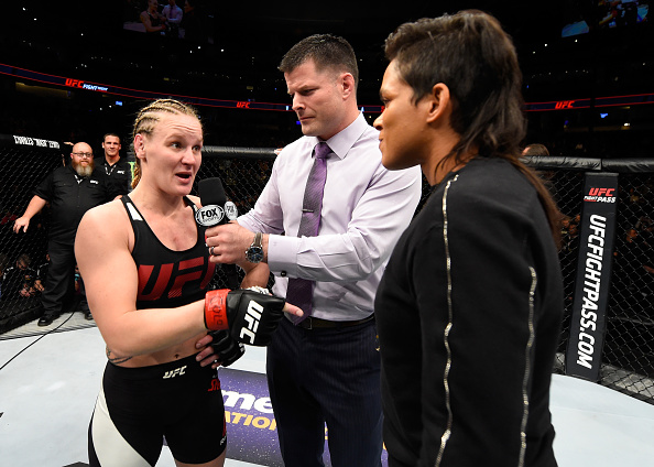 Shevchenko (esq) e Amanda (dir) se provocaram no octógono após o UFC Denver. (Foto: Getty Images)