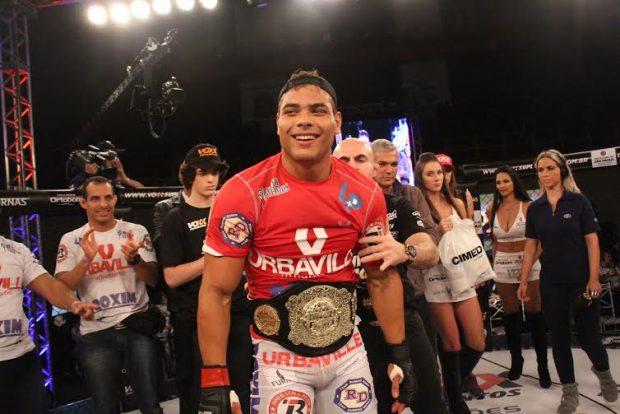 Borrachinha era o campeão peso médio do Jungle Fight. (Foto: Leonardo Fabri)