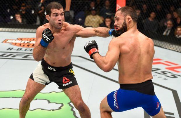Tanquinho (esq.) bateu Saenz no UFC Phoenix. Foto: UFC