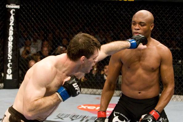 A. Silva deu show contra F. Griffin (FOTO: Josh Hedges/Getty Images)