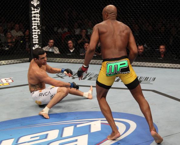 Histórico UFC 126 terminou com nocaute de Anderson sobre V. Belfort (FOTO: Jed Jacobsohn/Getty Images)
