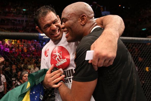 R. Nogueira acredita em vitória de A. Silva (FOTO: Josh Hedges/Getty Images)