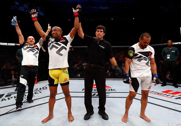 Serginho (esq) derrotou Davi (dir) por pontos. (Foto: Buda Mendes / UFC)