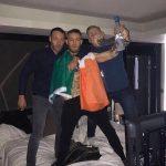 C. McGregor festejando com amigos (Foto: Reprodução/The Sun)