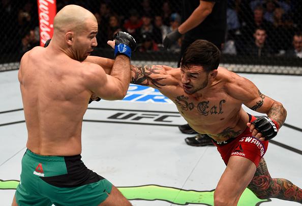 Swanson (dir) sonha com revanche contra Aldo. Foto: Jeff Bottari / UFC