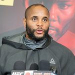 D. Cormier (foto) não gostou de saber que J. Jones estará no UFC 210 (Foto: Kevin Hoffman/UFC)