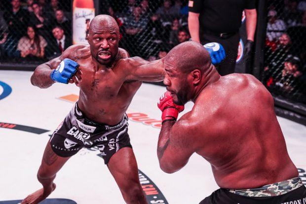 K. Mo (esq) venceu R. Jackson (dir) na revanche (Foto: Divulgação)