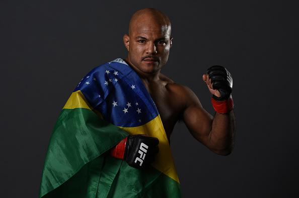 Reis citou preconceito com divisões mais leves (Foto: Mike Roach/UFC)