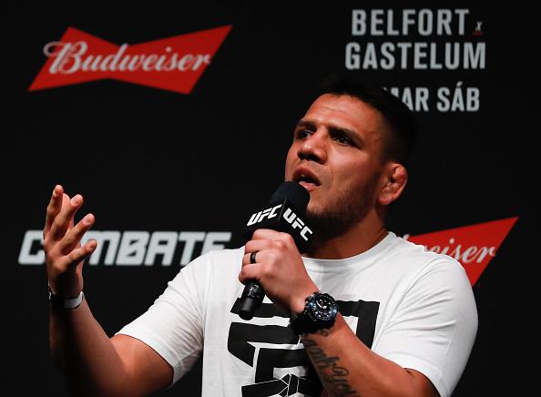 R. Dos Anjos acredita no seu potencial entre os meio-médios (Foto: Buda Mendes/UFC)