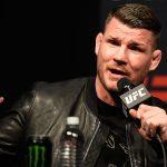 M. Bisping (foto) insinua que McGregor é 'privilegiado' (Foto: Josh Hedges/UFC)