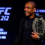 Aldo garantiu vitória sobre Holloway (Foto: Reprodução Facebook/UFC)