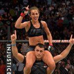 Joanna comemora título com K. Kubis (Foto: Reprodução Twitter/UFC Brasil)